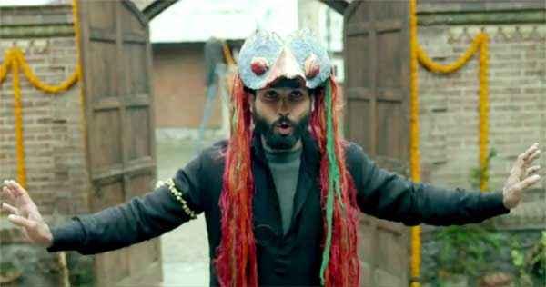 Haider Shahid Kapoor Comedy Scene Stills