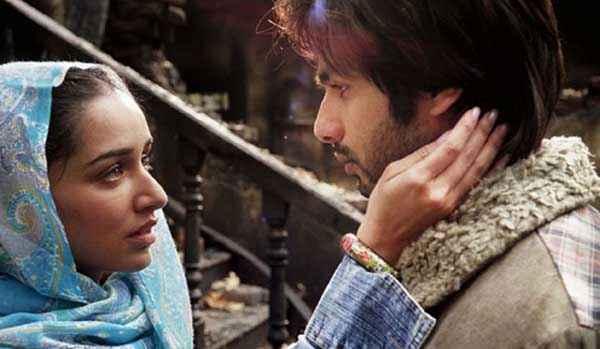 Haider Shahid Kapoor Shraddha Kapoor Loving Scene Stills