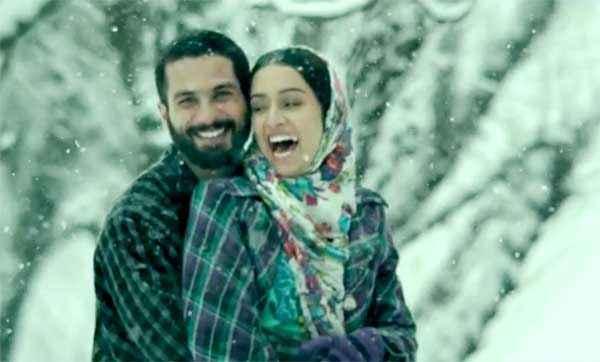 Haider Shahid Kapoor Shraddha Kapoor Smiling Pics Stills