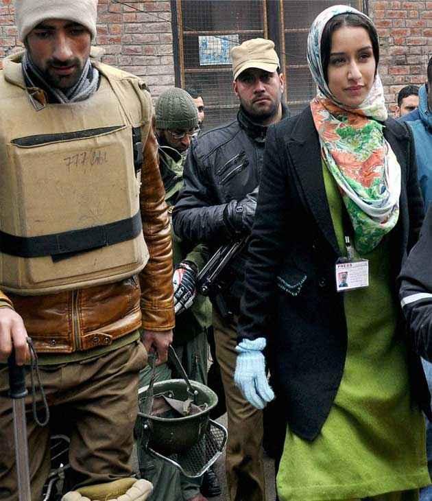 Haider Shraddha Kapoor Kashmiri Dress Stills