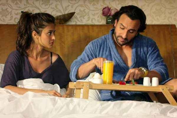 Happy Ending Saif Ali Khan Ileana Dcruz Taking Food On Bed Stills