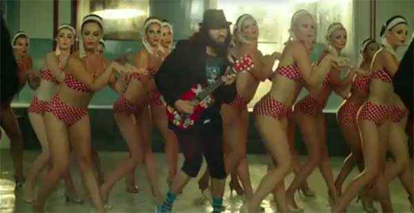Happy Ending Saif Ali Khan In Paaji Tussi Such A Pussycat Song Stills