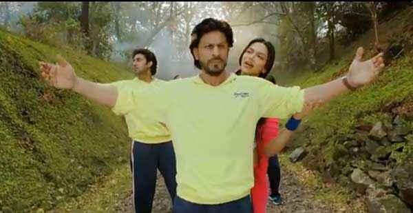 Happy New Year Abhishek Bachchan Shahrukh Khan Yellow TShirt Stills