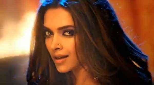 Happy New Year Deepika Padukone Eyes Stills
