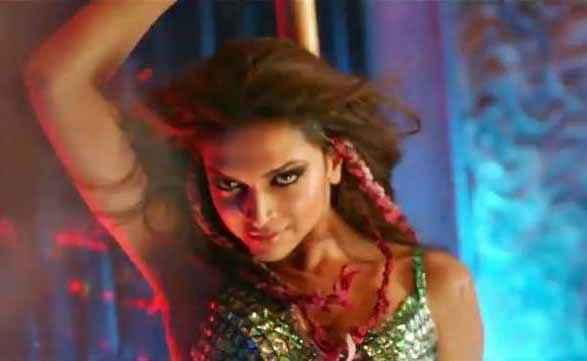 Happy New Year Deepika Padukone Hair Choti Style Stills