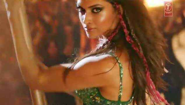 Happy New Year Deepika Padukone Sexy Eyes Stills