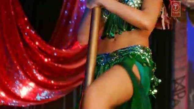 Happy New Year Deepika Padukone Sexy Legs Stills