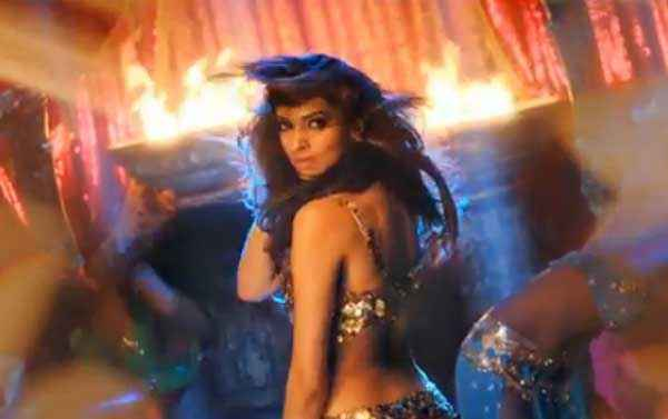 Happy New Year Deepika Padukone Sexy Look Stills