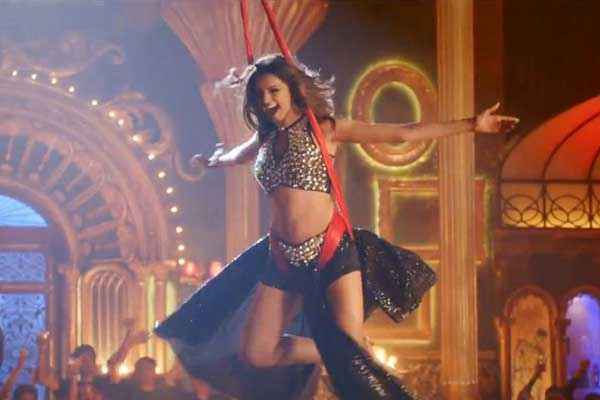 Happy New Year Deepika Padukone Stunts In Lovely Song Stills