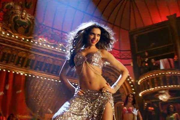 Happy New Year Hot Deepika Padukone In Lovely Song Stills