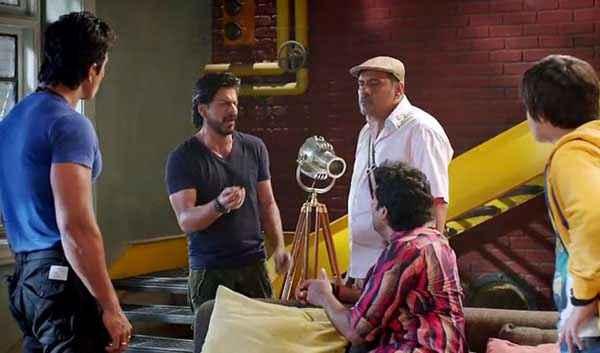 Happy New Year Shahrukh Khan Boman Irani Sonu Sood Discussing Stills