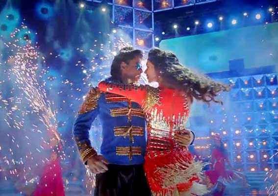 Happy New Year Shahrukh Khan Deepika Padukone Dance In Song Stills