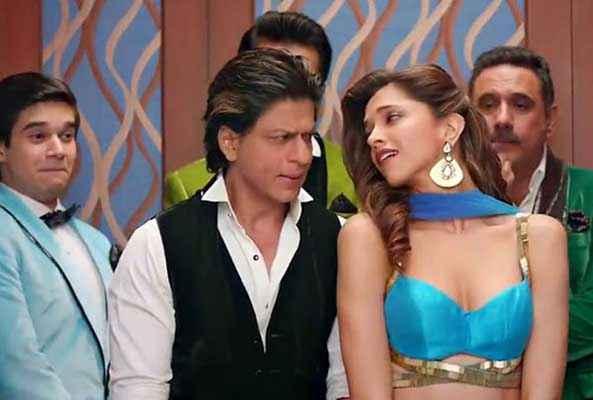 Happy New Year Shahrukh Khan Flirts With Deepika Padukone Stills