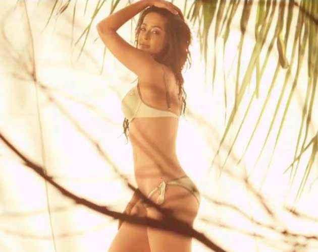 Hate Story 2 Hot Surveen Chawla Bikini Pose Stills