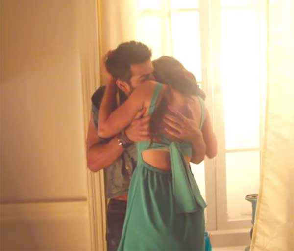 Hate Story 2 Jay Bhanushali Surveen Chawlas Romance Stills