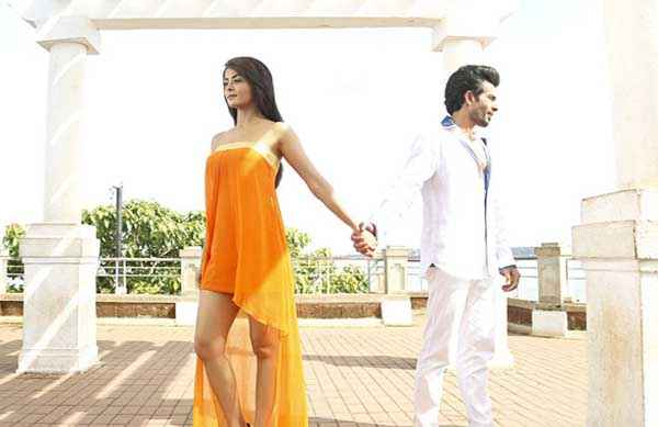 Hate Story 2 Surveen Chawla In Sort Yellow And Jay Bhanushali In White Dress Stills