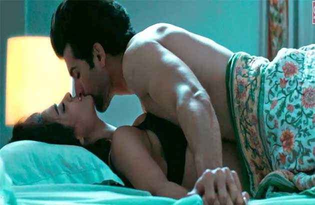 Hate Story 2 Surveen Chawla Jay Bhanushali Hot Bed Scene Photo Stills