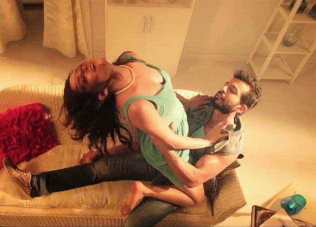 Hate Story 2 Surveen Chawla Jay Bhanushali Sexy Image Stills