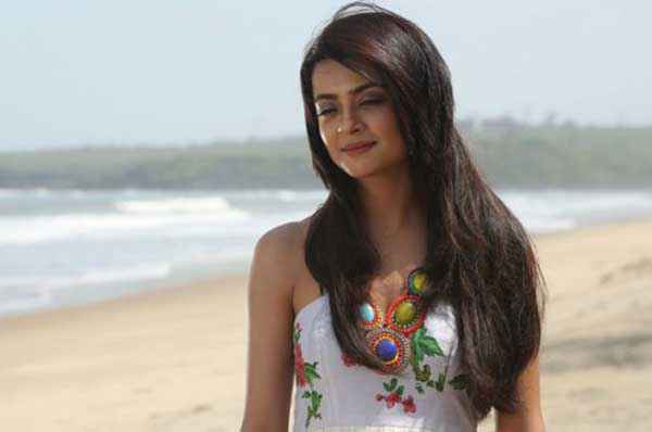 Hate Story 2 Surveen Chawla Look Stills