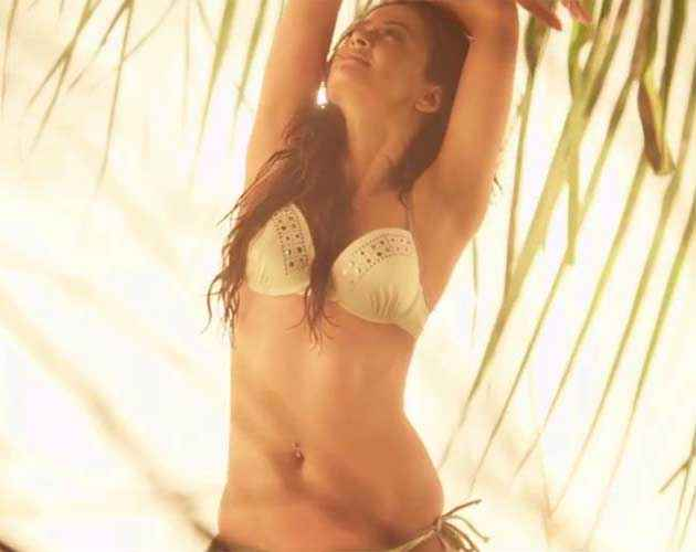 Hate Story 2 Surveen Chawla Sexy Navel In Bikini Stills