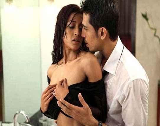 Hate Story Paoli Dam Gulshan Devaiya Hot Scene Stills