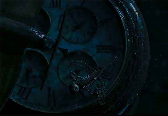 Hawaizaada Jahaj Clock Stills