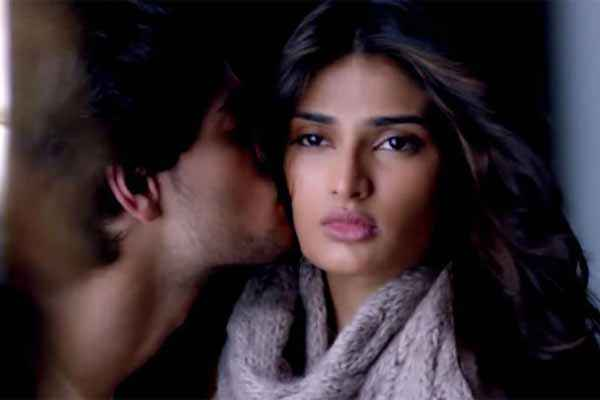 Hero 2015 Sooraj Pancholi Kissing Athiya Shetty Stills