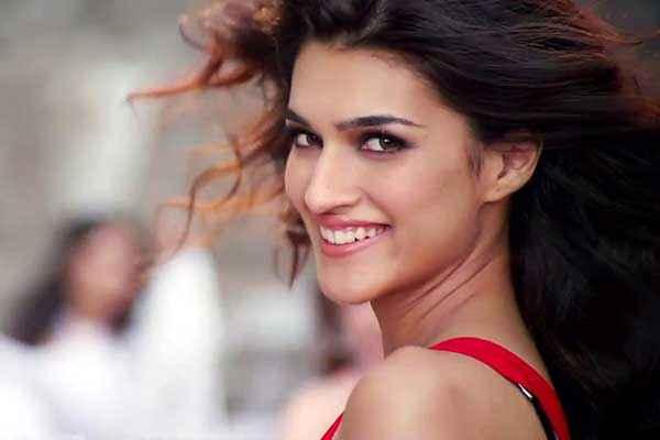 Heropanti Kriti Sanon Cute Smile Pics Stills