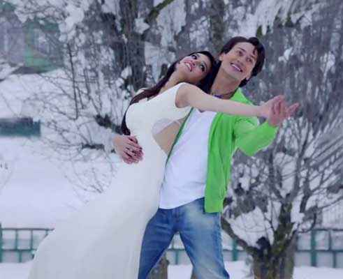 Heropanti Tiger Shroff in Green Shirt Kriti Sanon In White Sari Stills