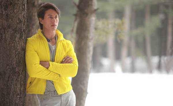 Heropanti Tiger Shroff In Yellow Shirt Stills
