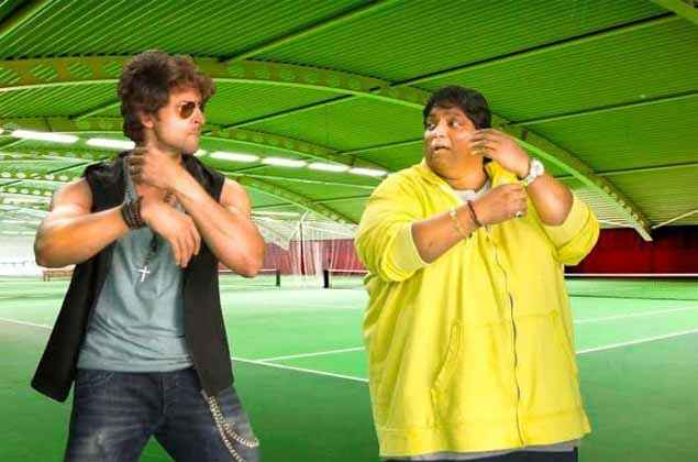 Hey Bro Hrithik Roshan Learning Dance From Ganesh Acharya Stills