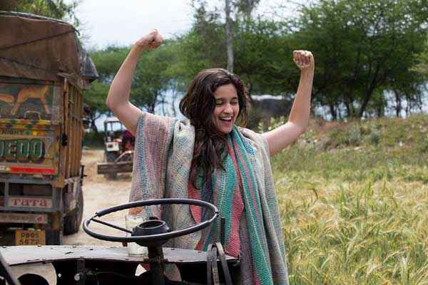 Highway Alia Bhatt On Tractor Stills