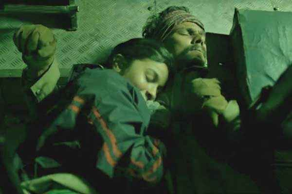 Highway Randeep Hooda Alia Bhatt Sleeping Scene Stills