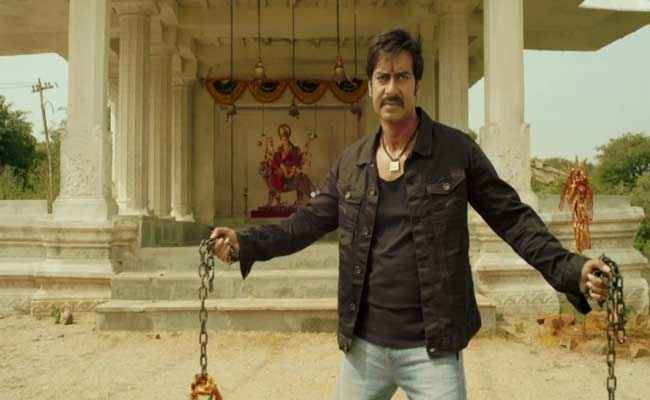 Himmatwala 2013 Ajay Devgan with Tempal Stills