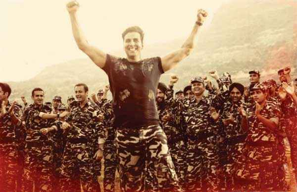 Holiday A Soldier Is Never Off Duty Akshay Kumar In Army Dress Stills