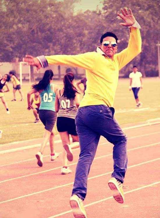 Holiday A Soldier Is Never Off Duty Akshay Kumar Running Race Stills