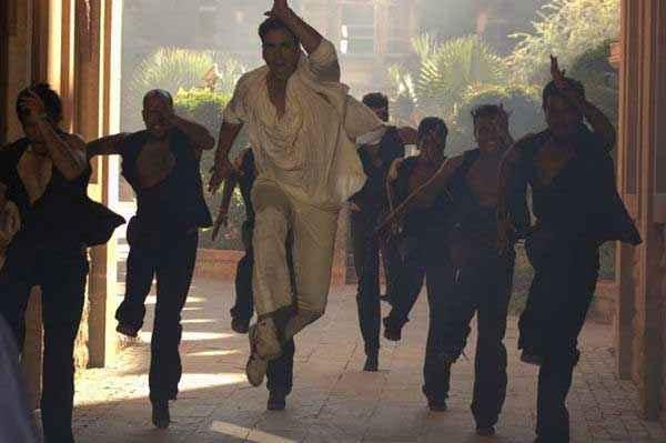 Holiday A Soldier Is Never Off Duty Akshay Kumar Running Stunt Stills