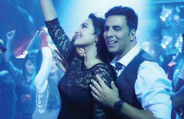 Holiday A Soldier Is Never Off Duty Akshay Kumar Sonakshi Sinha In Blame The Night Song Stills