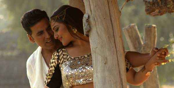 Holiday A Soldier Is Never Off Duty Akshay Kumar Sonakshi Sinha in Romantic Movement Stills