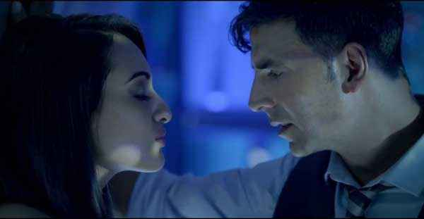 Holiday A Soldier Is Never Off Duty Akshay Kumar Sonakshi Sinha Romance Stills