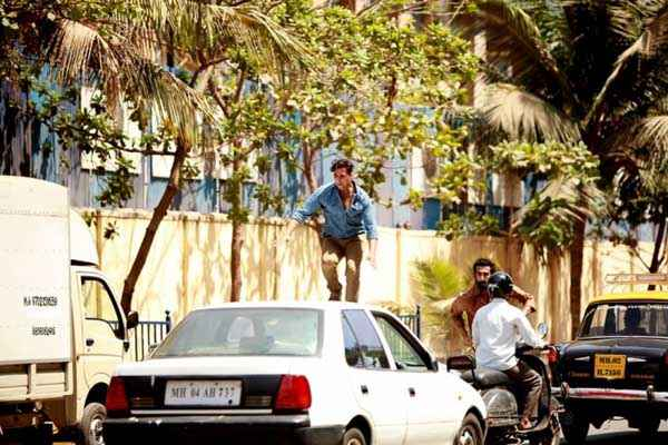 Holiday A Soldier Is Never Off Duty Akshay Kumar Stunt On Car Stills