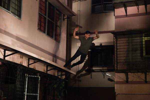 Holiday A Soldier Is Never Off Duty Akshay Kumar Stunt Stills