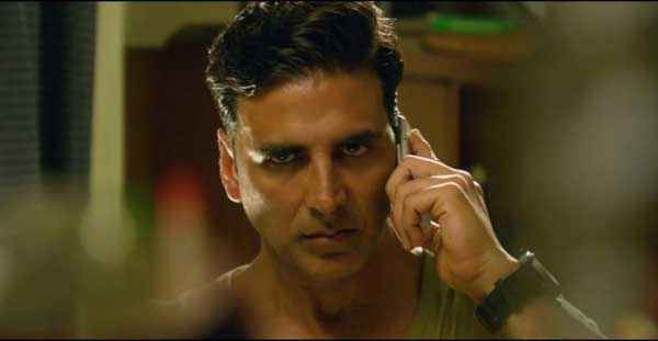 Holiday A Soldier Is Never Off Duty Akshay Kumar With Mobile Stills