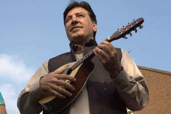 Honour Killing Javed Sheikh With Gittar Stills