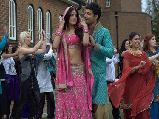 Honour Killing Sundeep Singh In Green Kamiz And Zara Sheikh In Pink Dress Stills