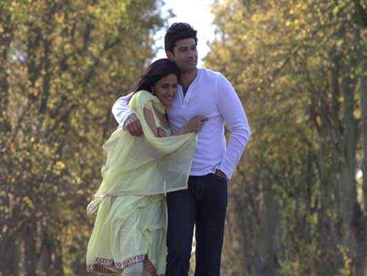 Honour Killing Zara Sheikh Sundeep Singh Romantic Scene Stills