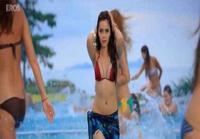 Housefull 2 Shazahn Padamsee in Bikini Stills