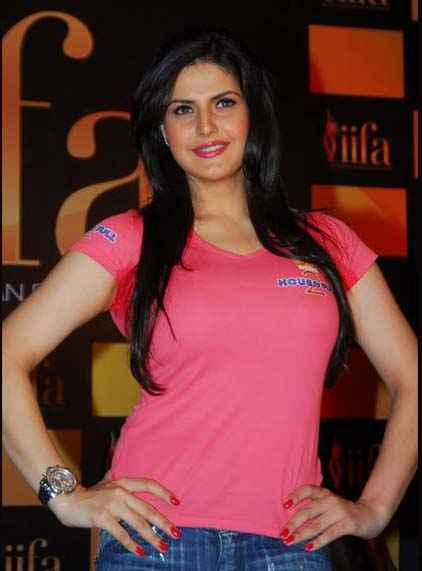 Housefull 2 Zarine Khan Hot Pics Stills