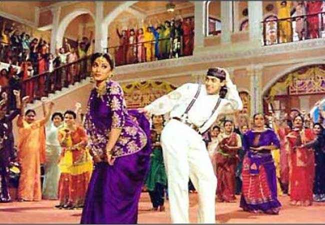 Hum Aapke Hain Kaun Salman Khan Madhuri Dixit in Didi Tera Stills