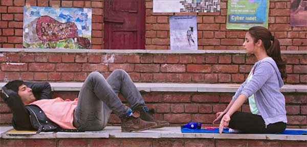 Humpty Sharma Ki Dulhania Varun Dhawan Alia Bhatt Doing Yoga Stills